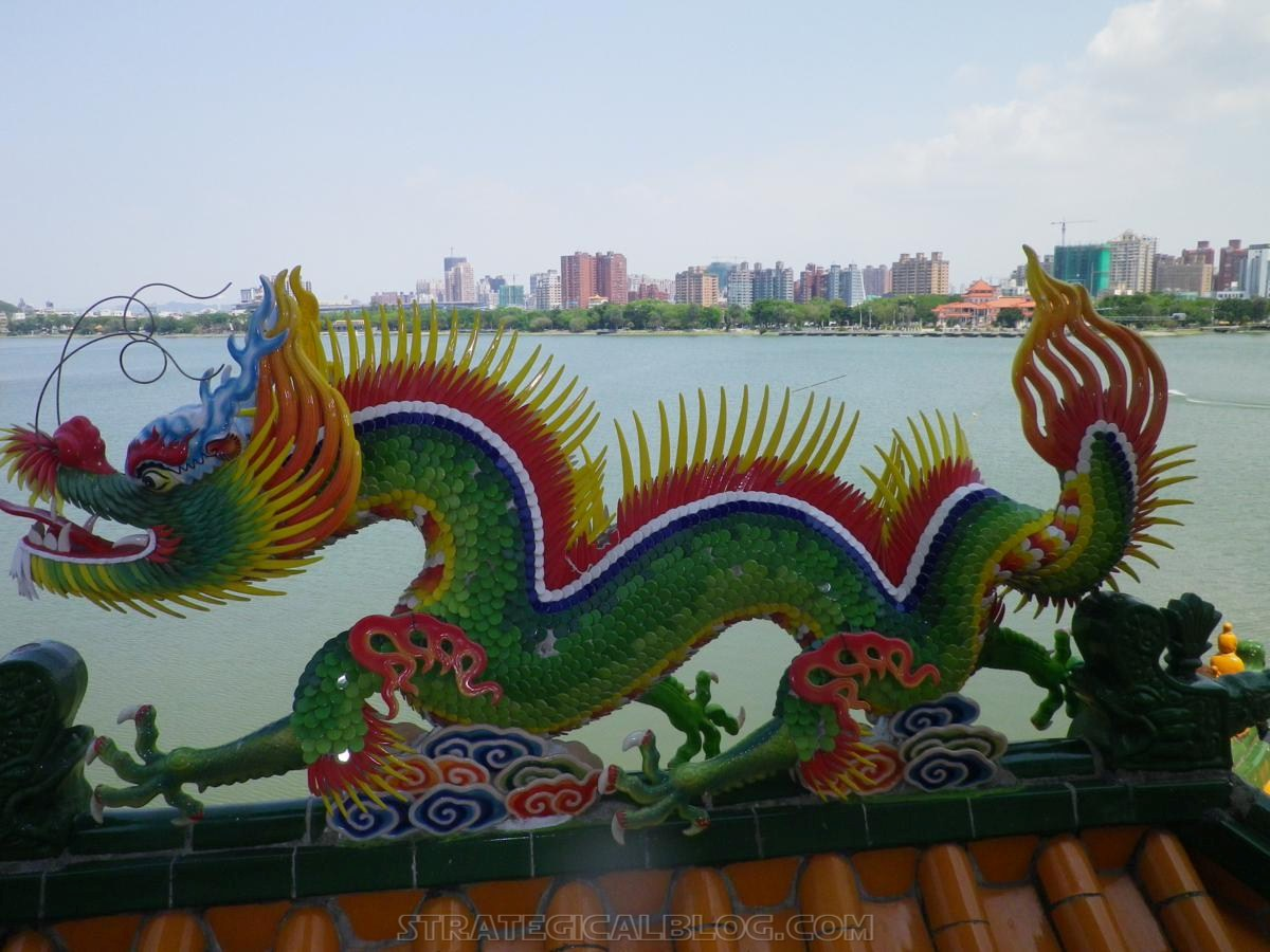 kaohsiung lotus pond strategicalblog travel asia (10)