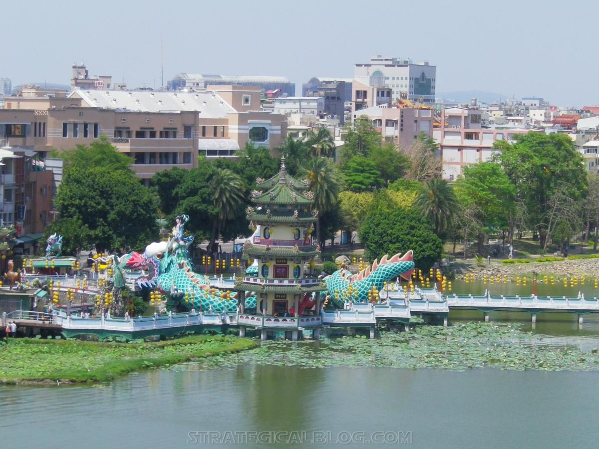 kaohsiung lotus pond strategicalblog travel asia (26)