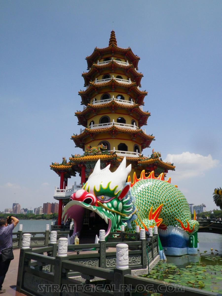 kaohsiung lotus pond strategicalblog travel asia (3)
