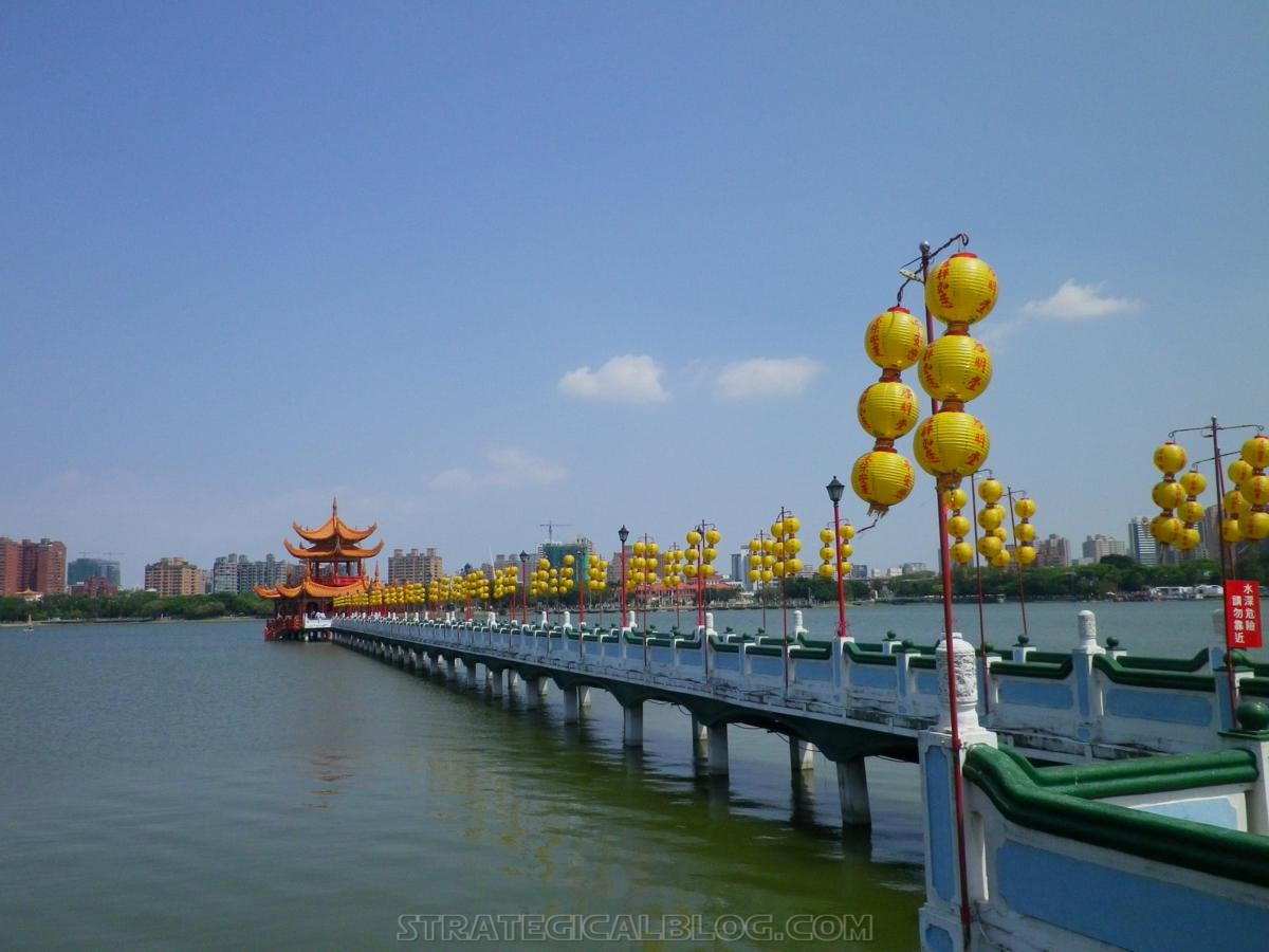 kaohsiung lotus pond strategicalblog travel asia (45)