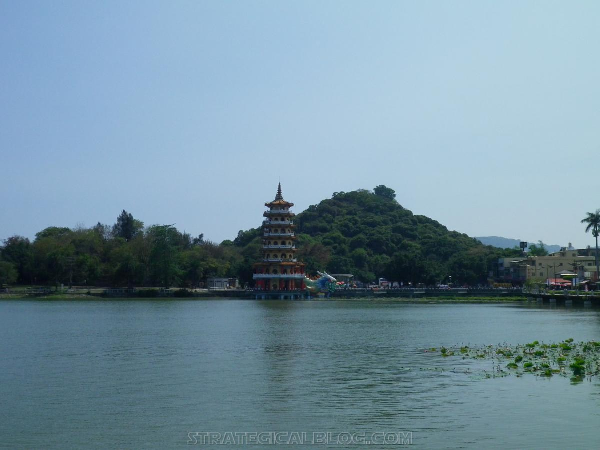 kaohsiung lotus pond strategicalblog travel asia (54)