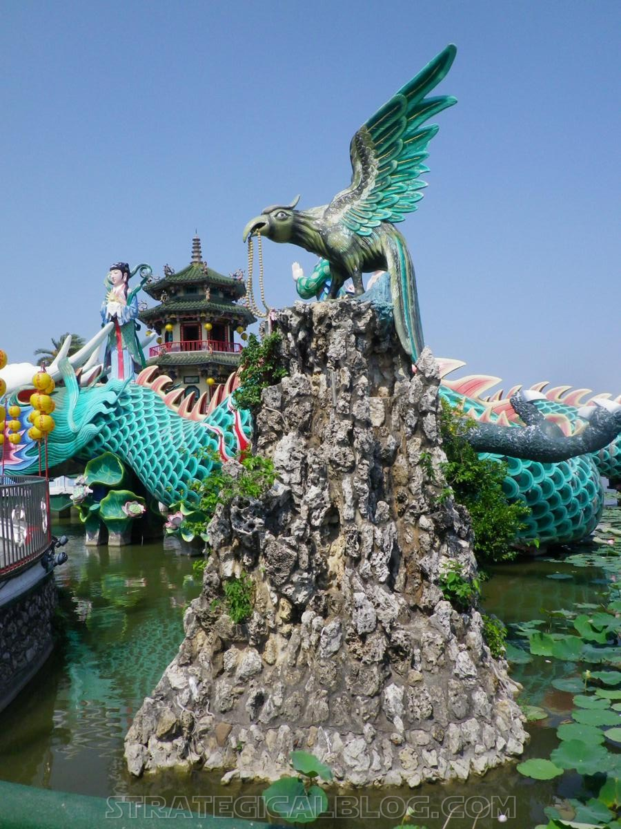 kaohsiung lotus pond strategicalblog travel asia (67)