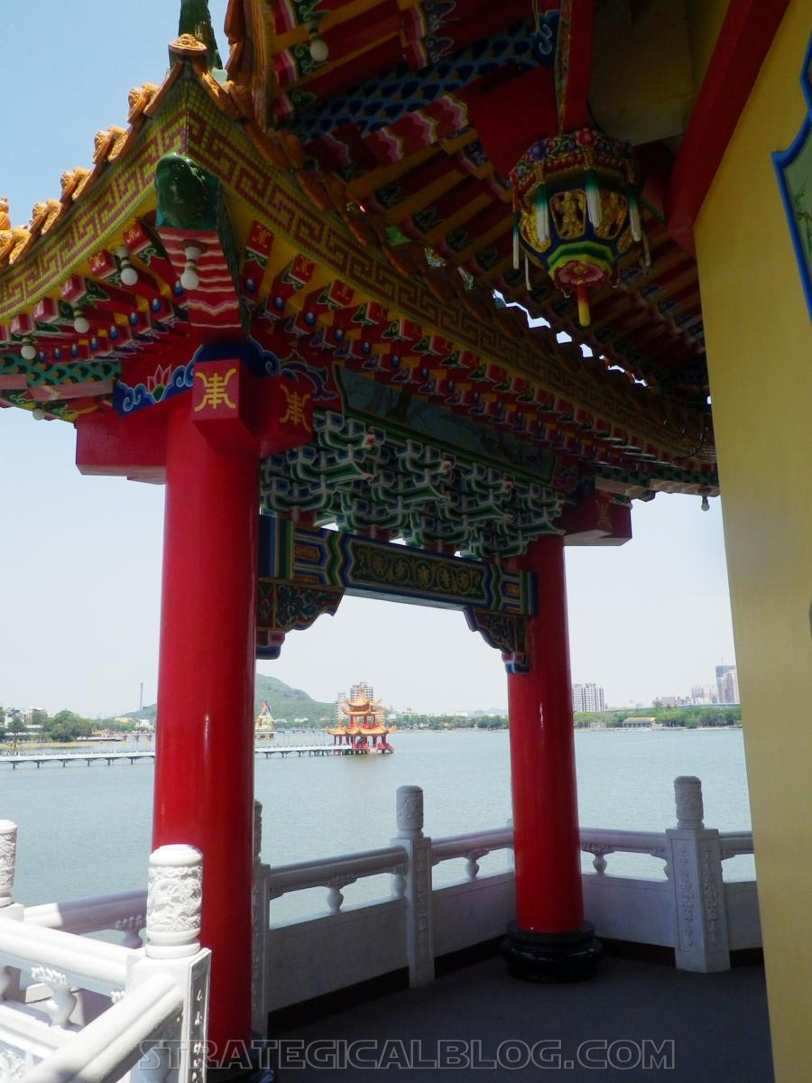 kaohsiung lotus pond strategicalblog travel asia (9)