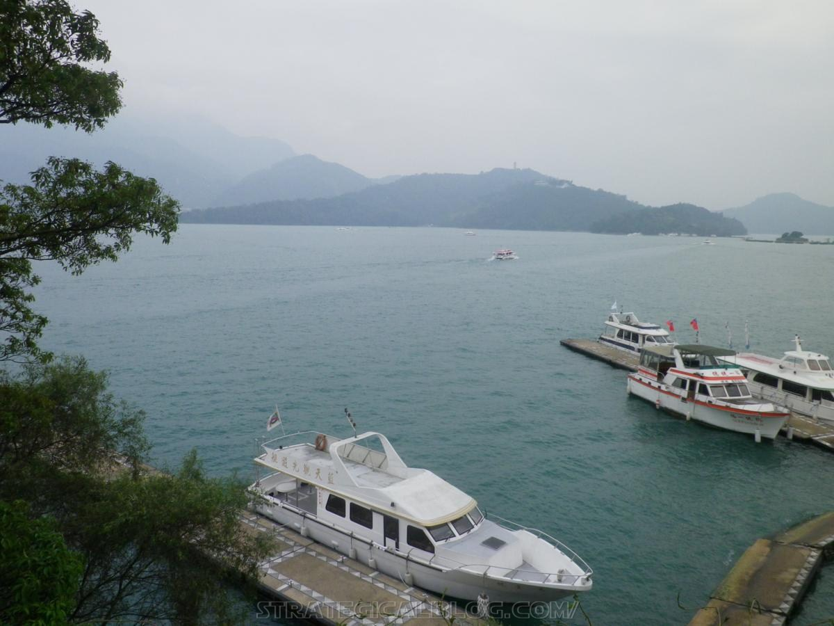 real ugly sun moon lake (26)