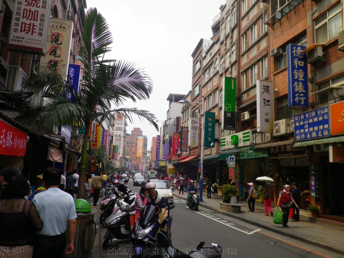 taipei ugly streets tamsui (17)