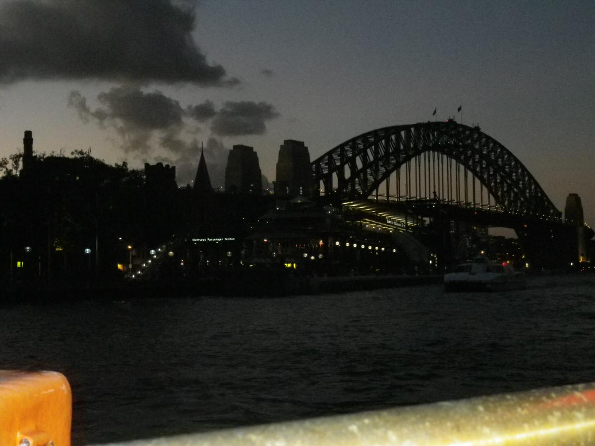 Sydney by night (1)