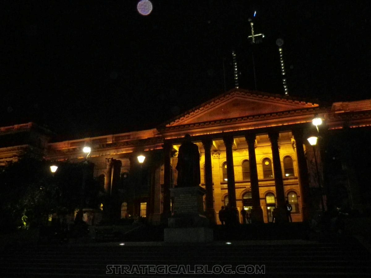 Melbourne by night (2)