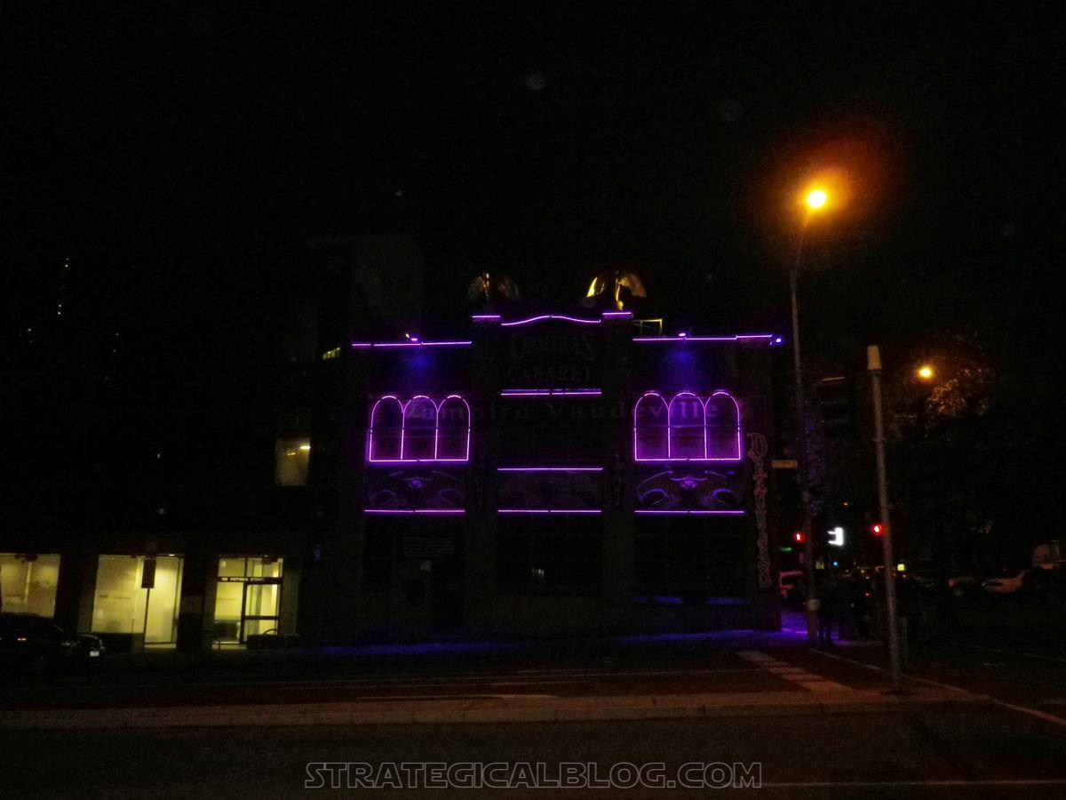 Melbourne by night (4)