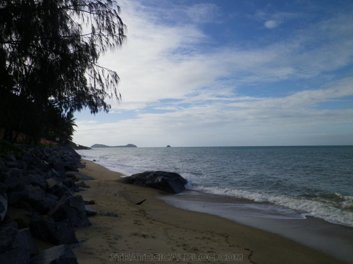 Trinity Beach Cairns North Queensland (6)