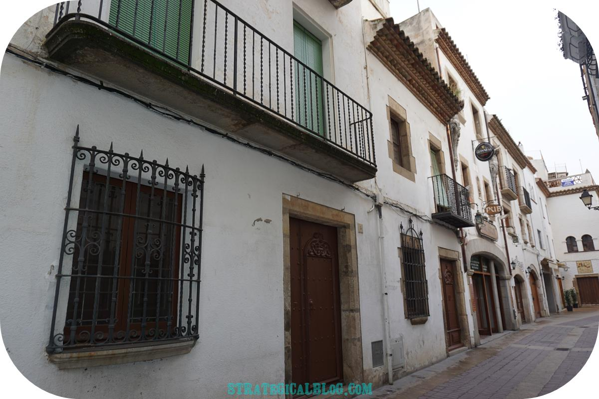 tossa-del-mar-streets-old-houses